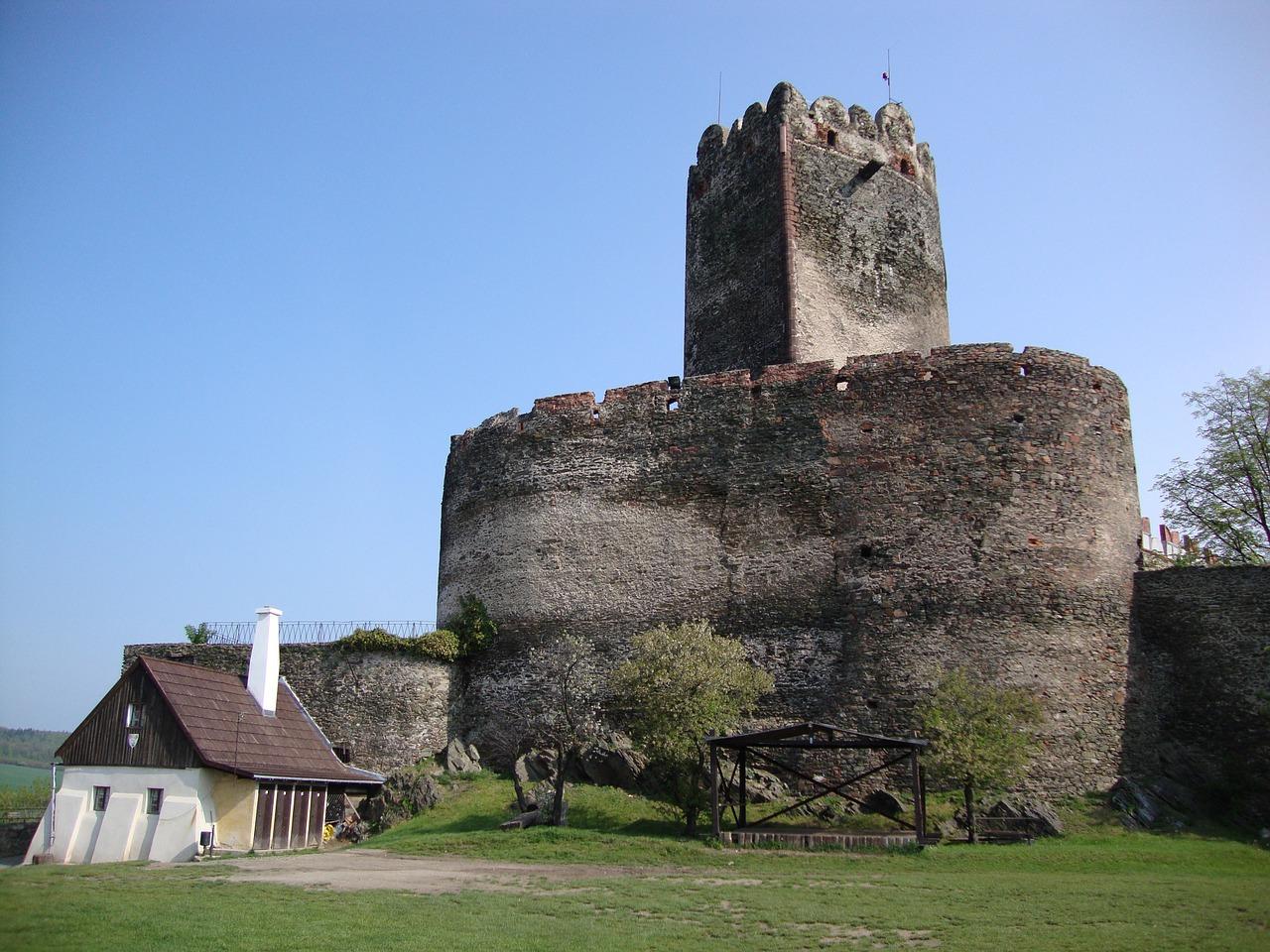 Zamek Bolków zaprasza wszystkich wielbicieli ruin oraz czcicieli muzyki gotyckiej